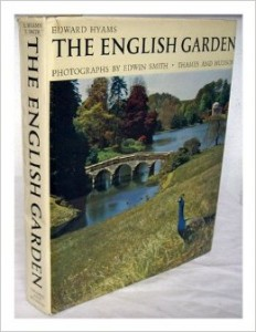 The best books on Garden Photography - The English Garden (World of Art) by Edward Hyams and Edwin Smith